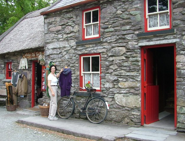 jean at molly gallivans cottage, ireland 15
