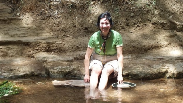 jean enjoys tiny pond at indian garden, grand canyon 23