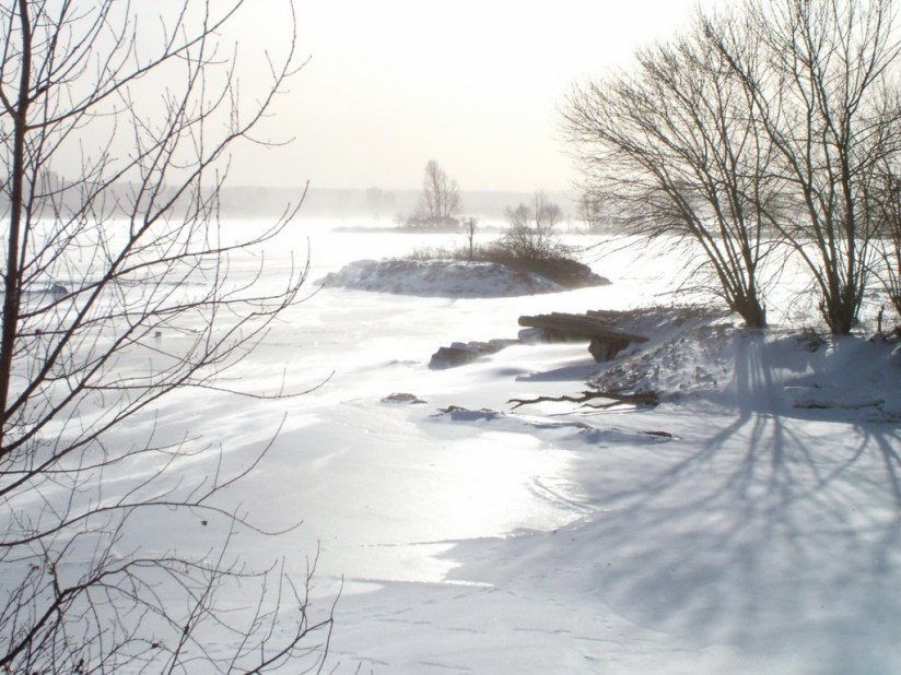 Wind swept shoreline in the winter at La Salle Park, in Burlington, Ontario