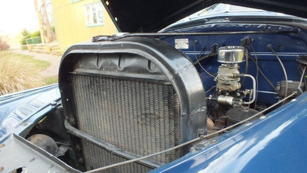 1941 Chevrolet special deluxe Business Coupe - radiator