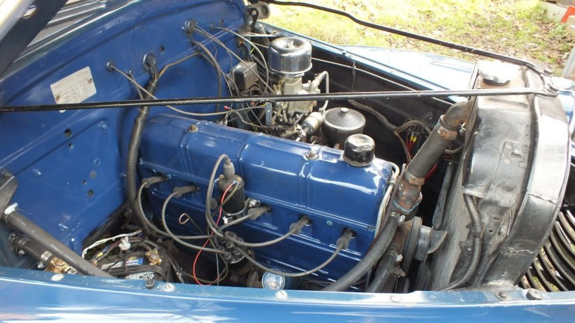 1941 Chevrolet special deluxe Business Coupe - six-cylinder engine
