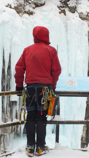 ice climber at johnston canyon - banff 2