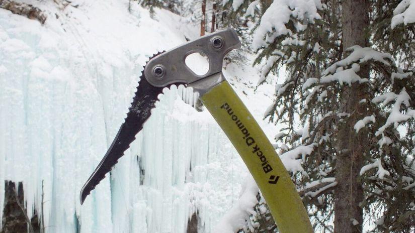 ice climbing axe at johnston canyon - banff 9