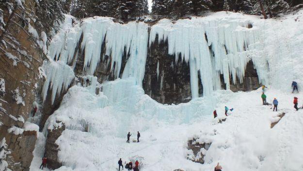 ice climbing in johnston canyon - banff 2