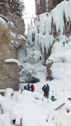 ice climbing in johnston canyon - banff 3