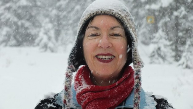jean on the pipestone ski trail in winter - banff national park 4
