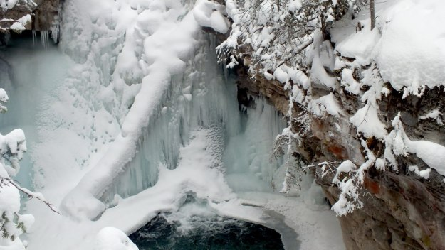 johnston canyon in winter - banff 8