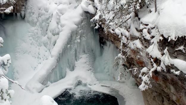 johnston canyon in winter - banff 8