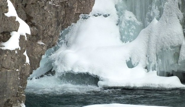 johnston canyon in winter - banff 9