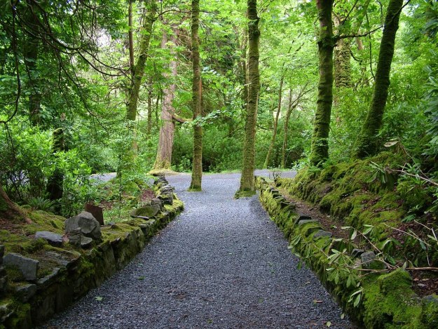 kylemore abbey walking trail_County Galway_Ireland