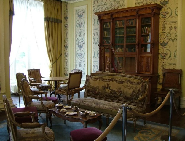 sitting room inside kylemore abbey_county galway_ireland