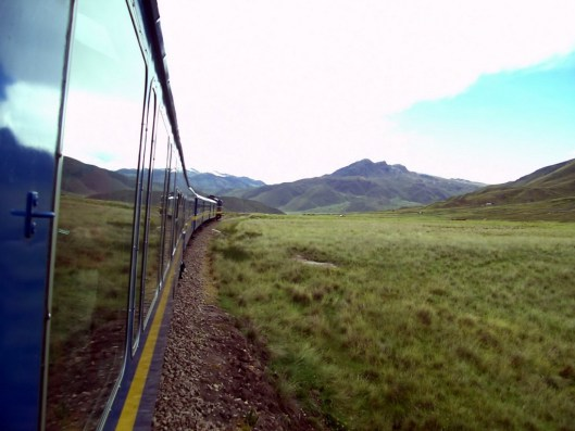 andean explorer train heading to cusco_peru