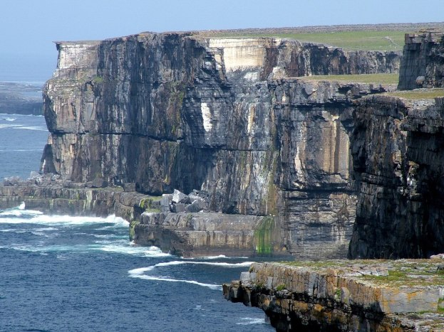 coastline at dun aonghasa fort_inishmore_aran islands_ireland