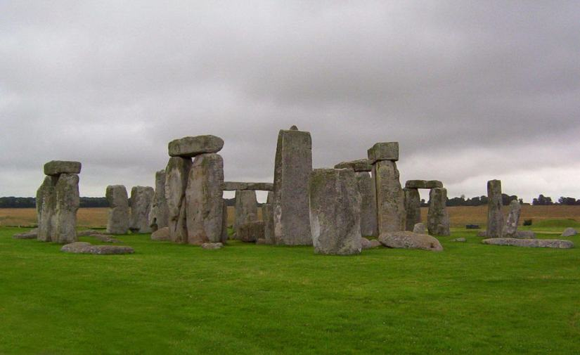 An image of Stonehenge in a field in Wiltshire, England. Photography by Frame To Frame - Bob and Jean