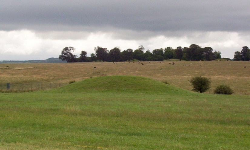 An image of a burial mound near Stonehenge in Wiltshire, England. Photography by Frame To Frame - Bob and Jean