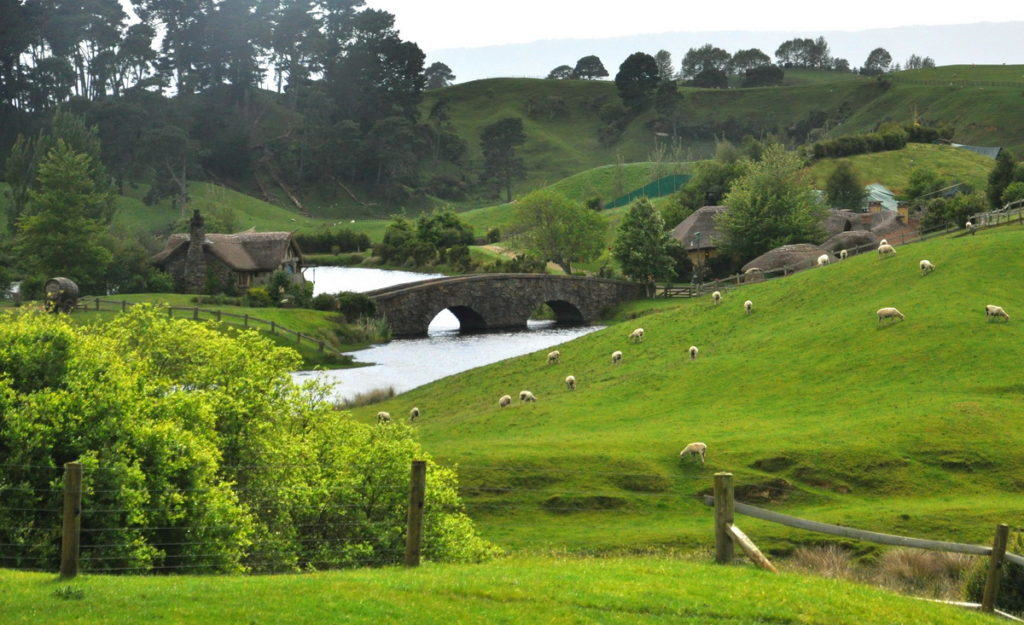 the-bridge-and-watermill-on-the-water-at-hobbiton-new-zealand