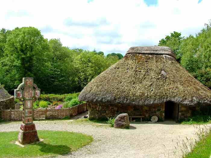 thatched-roof dwelling at Irish National Heritage Park, Ireland