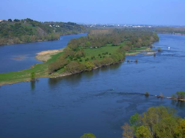 An image of the Loire River in France.