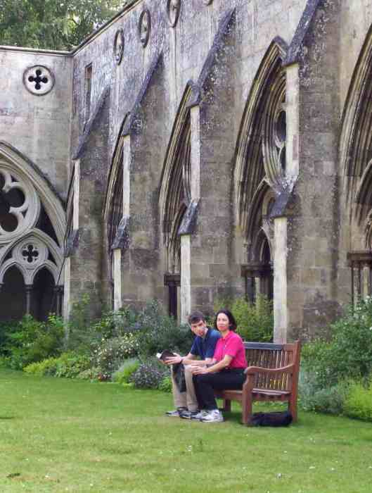 the cloister garden at salisbury cathedral in salisbury, england