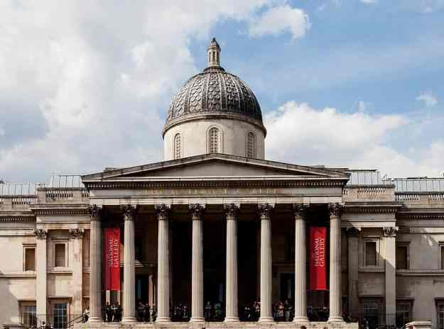 An image of the National Gallery in London, England.