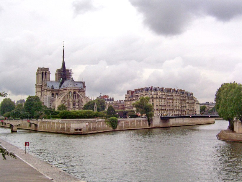 notre dame cathedral on the seine river, paris, france