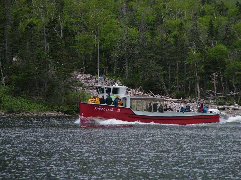 tour boat, western brook pond, gros morne national park, newfoundland, canada