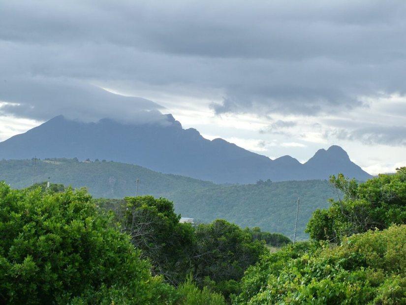 the tsitsikamma mountain range, south africa