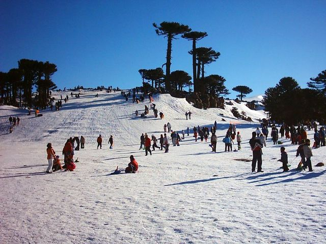 parque-de-nieve-primeros-pinos-en-neuquen