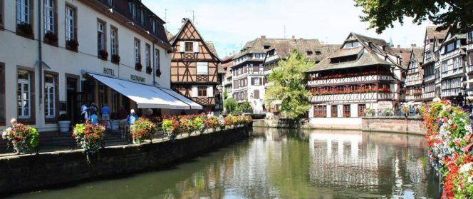 Alsace-7_of_10_-_La_Petite_France_Strasbourg_-_FRANCE-1024x431.jpg