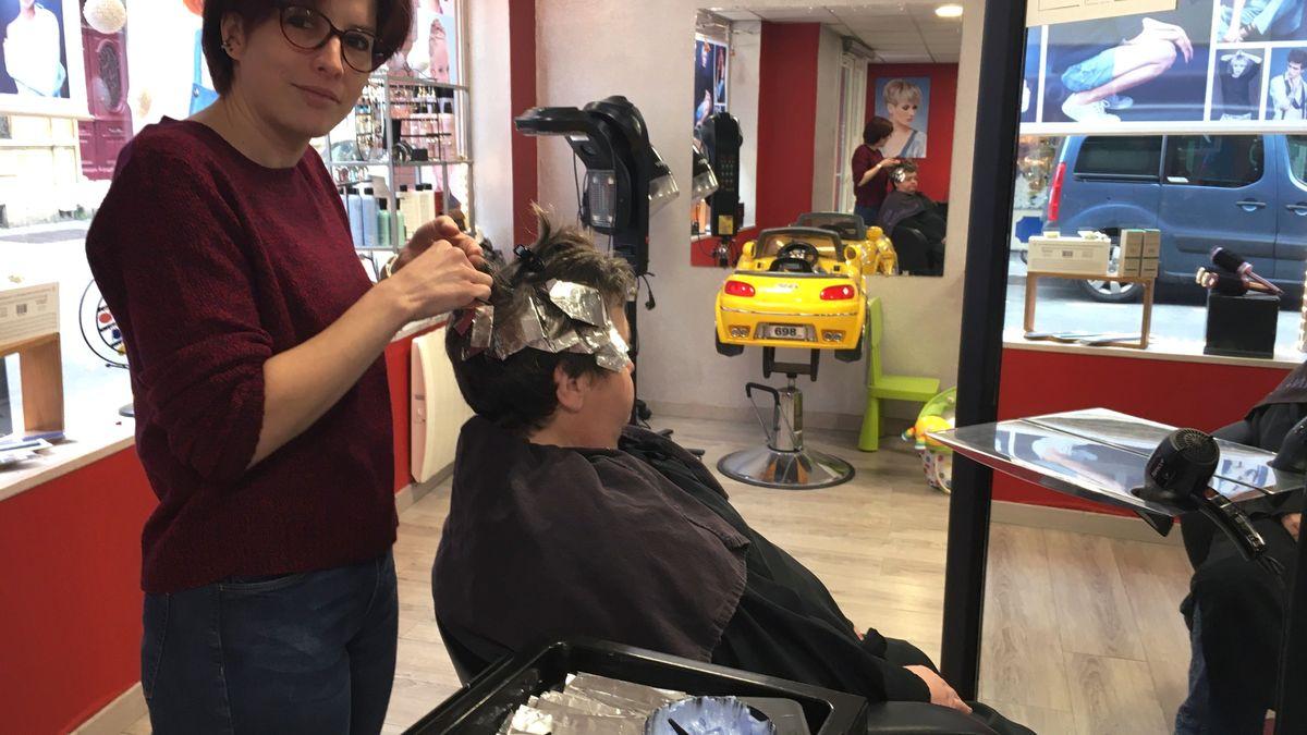 insolite quatre coiffeurs sur les 50