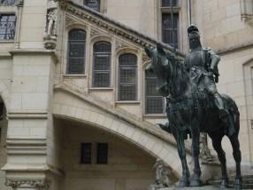 Statue équestre de Louis d'Orléans - © https://franceetmerveilles.wordpress.com - Tous droits réservés