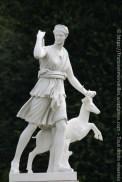 Statue de Diane, copie de la Diane chasseresse visible au musée du Louvre