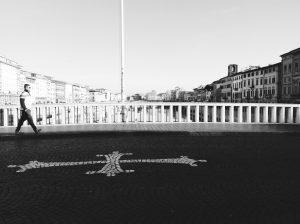 Uno scatto del 2012, di Francesca Cinus, la Rivelatrice di Comunità, dal Ponte di Mezzo a Pisa.