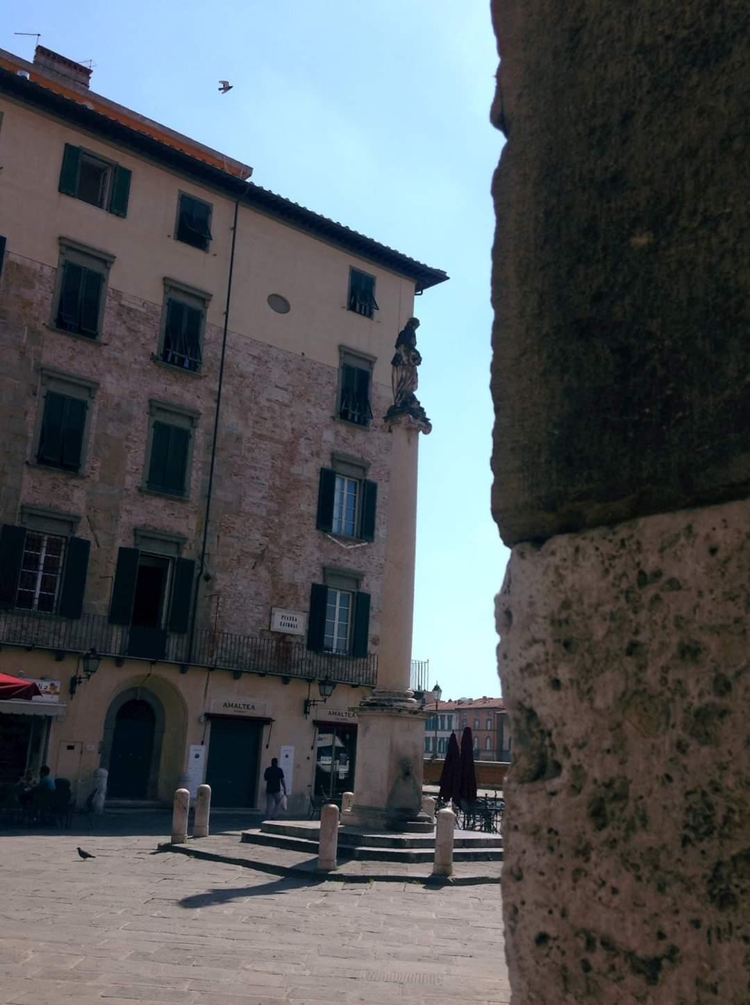 Particolare di Piazza Cairoli a Pisa. Foto Francesca Cinus - Rivelatrice di Comunità