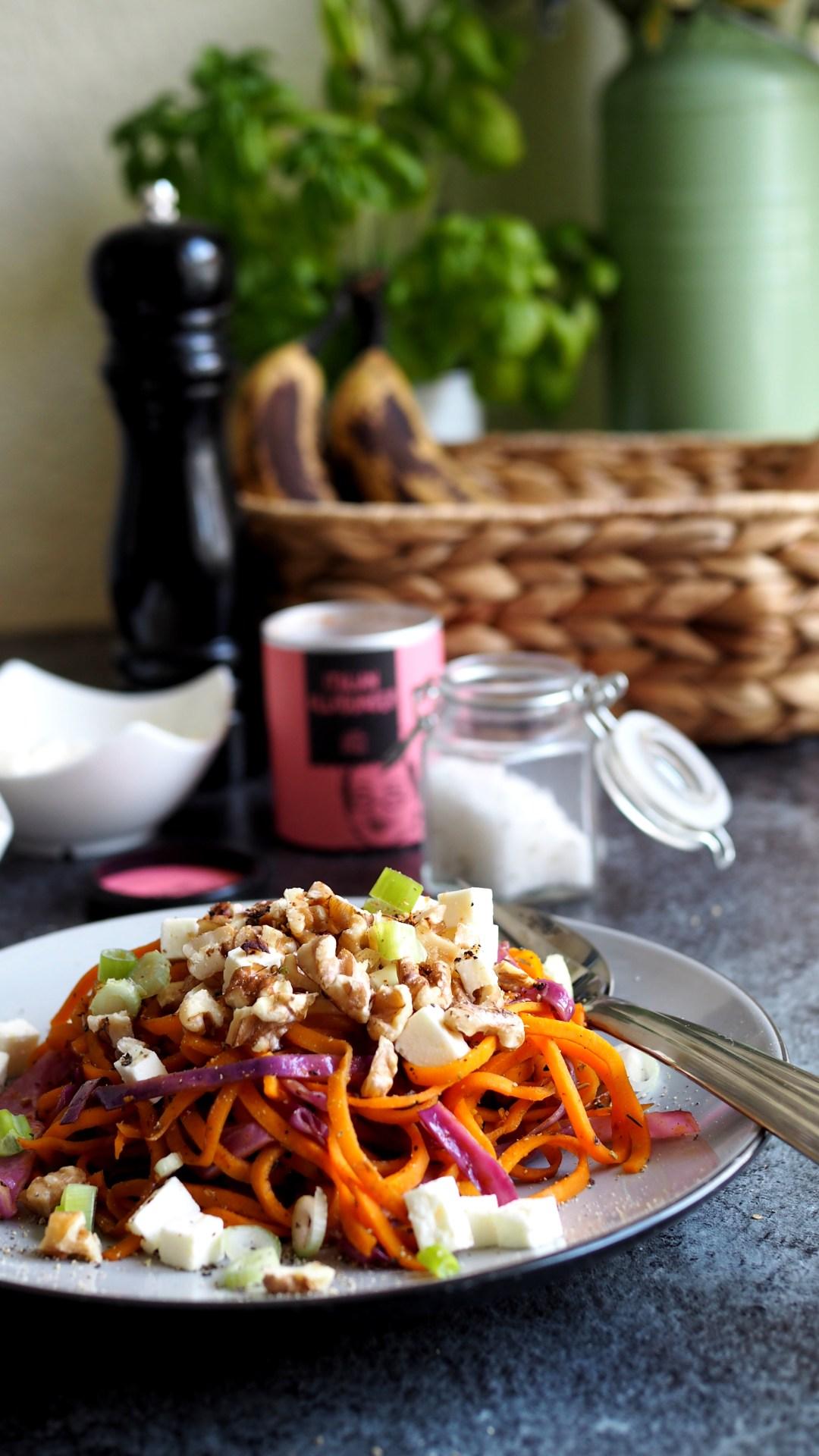 Karotten-Walnuss Nudeln
