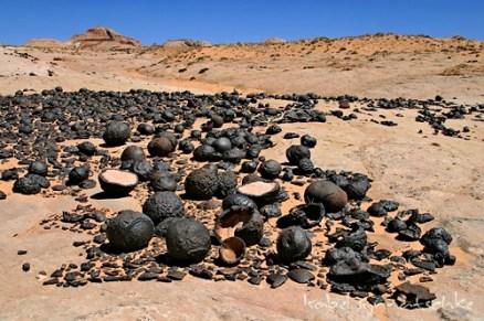 moqui-marbles.jpg_500