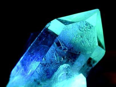 caratteristiche-dei-lavabi-in-cristallo_NG2