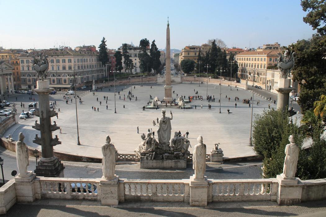 La voce di Piazza del Popolo  Frances in Wonderland