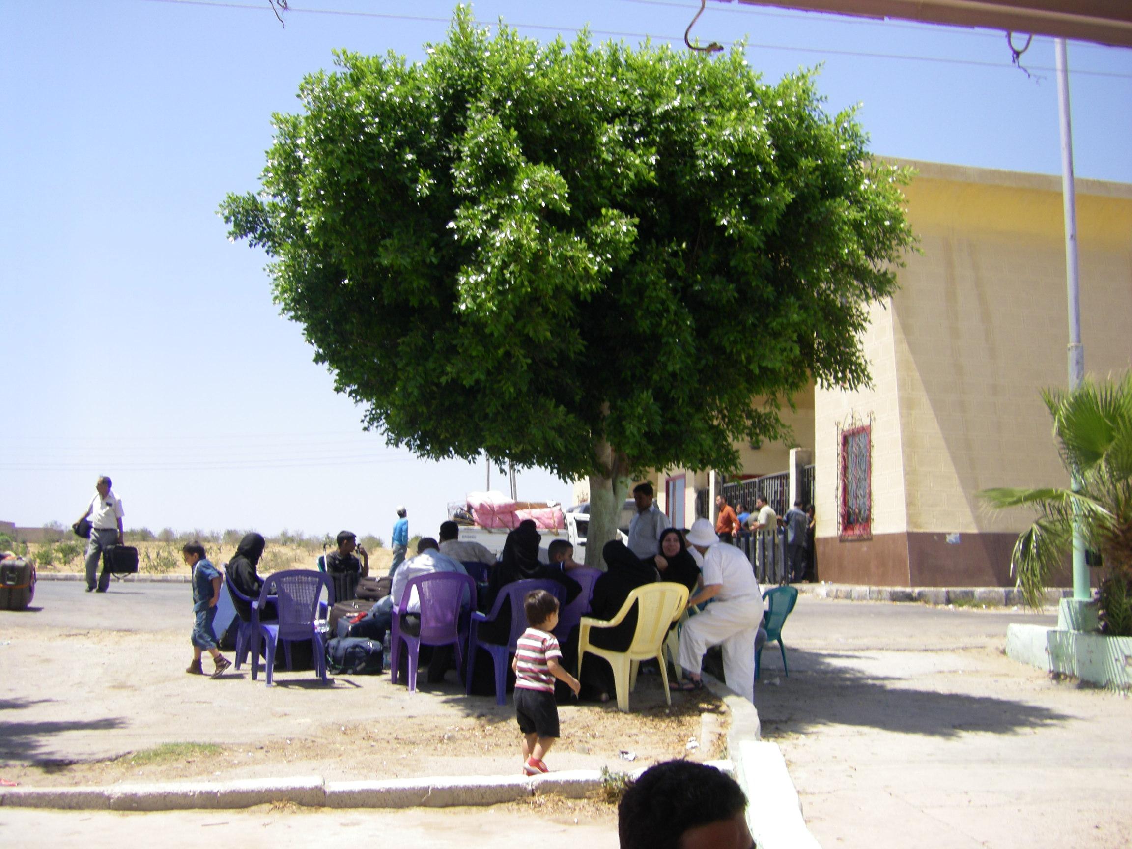 100609 Rafah Gate 007