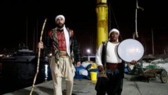 michel-ayoub-reveille-les-musulmans-pour-la-collation-d-avant-l-aube-a-acre-le-16-juin-2016_5619977
