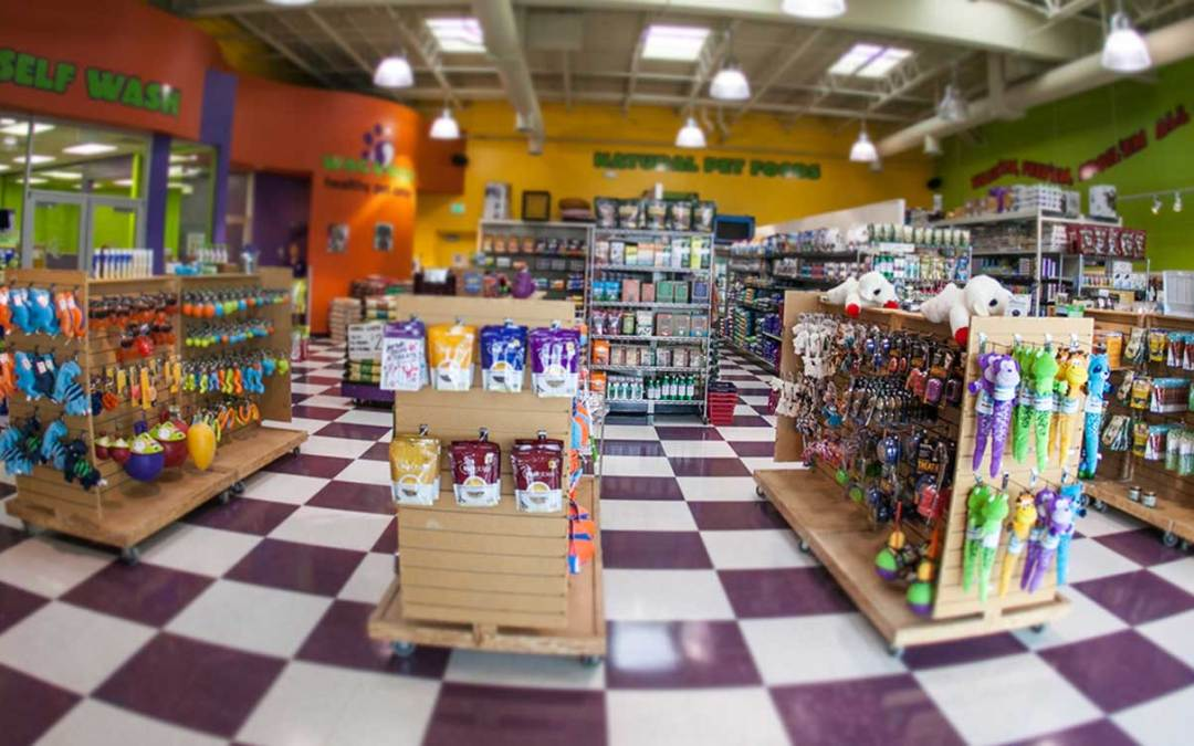 Here is How the Pet Food Franchise Industry is Evolving, and Why Partnering with Wag N' Wash Makes Sense