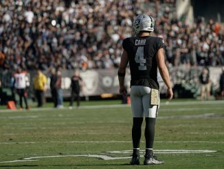 Derek Carr on field for Raiders