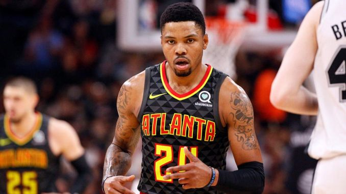 Kent Bazemore playing for the Hawks