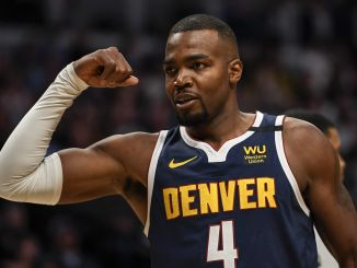Paul Millsap flexes
