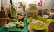 Zuurkool gestoofd met sjalot en appel