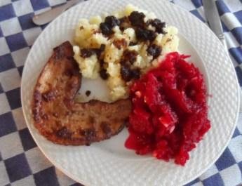 Gekookte-aardappelen-bietjes-en-speklapje-18