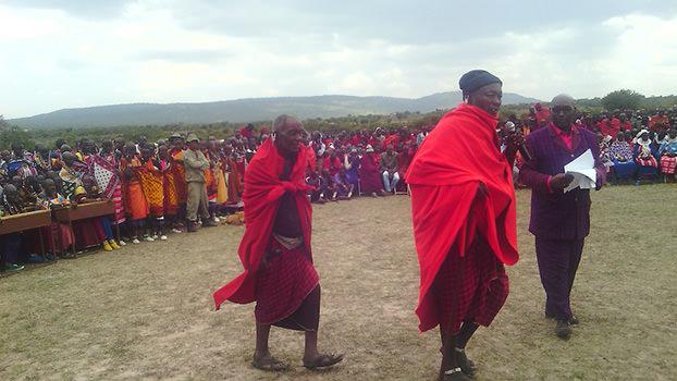 4_Maasaileadermarch_Loliondo_Tanzania_SamwellNangiria