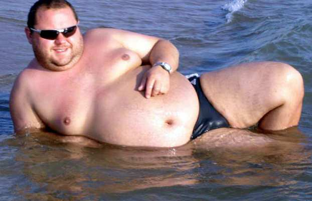 Fat-guy-speedo
