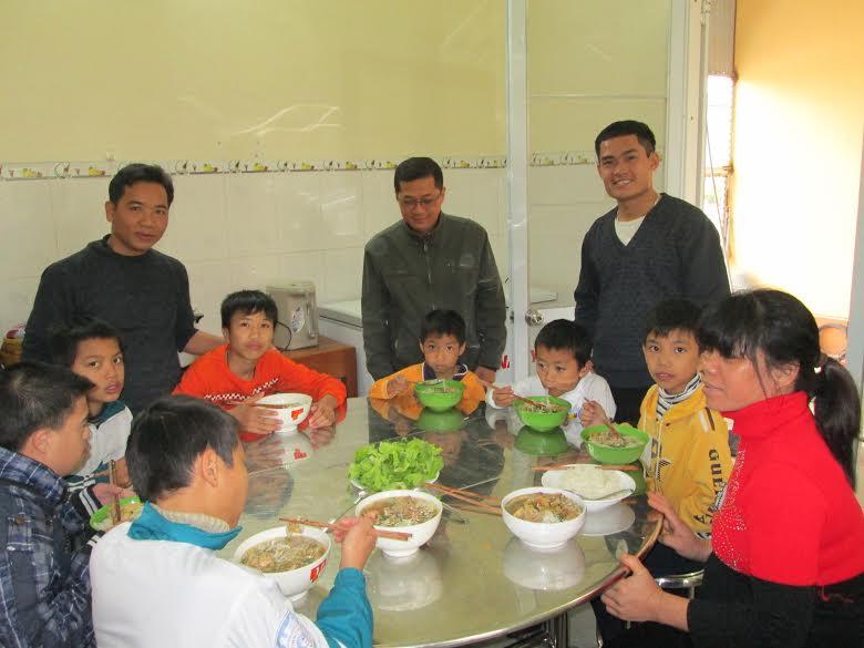 Lunch at Van Mon