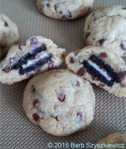 STUFFED oreo choc chip cookies